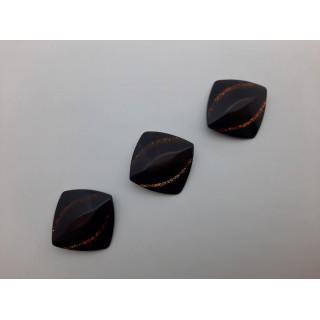 Пуговицы квадрат коричневый 24-а